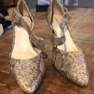 Liz Claiborne Snake skin heel